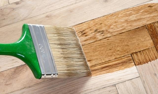 Как выбрать лак для дерева: классификация, достоинства