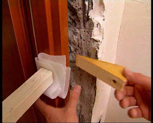 Как установить межкомнатную дверь своими руками: видео-инструкция