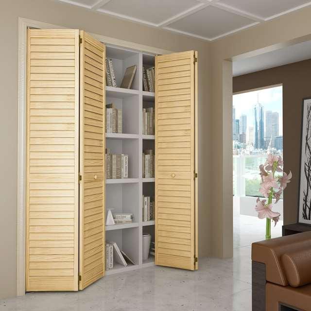 Деревянные жалюзийные двери – стильно и удобно