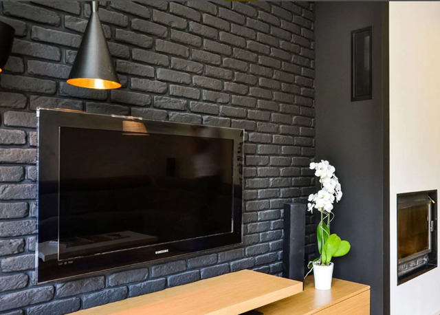 Декоративный искусственный камень в интерьере: цена, фото, свойства, состав, особенности монтажа