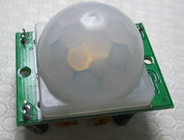 Как подключить датчик движения для освещения