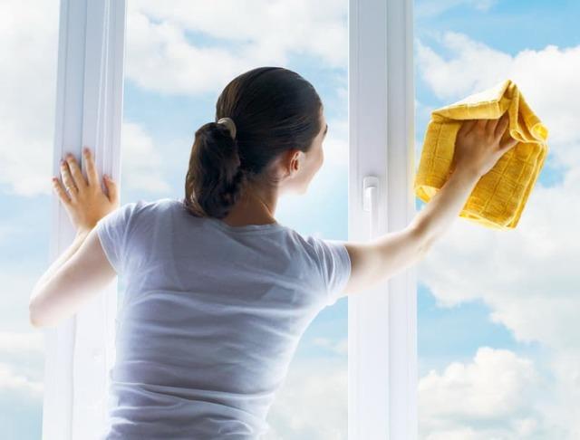 Как помыть окна быстро и без разводов: как и чем пользоваться