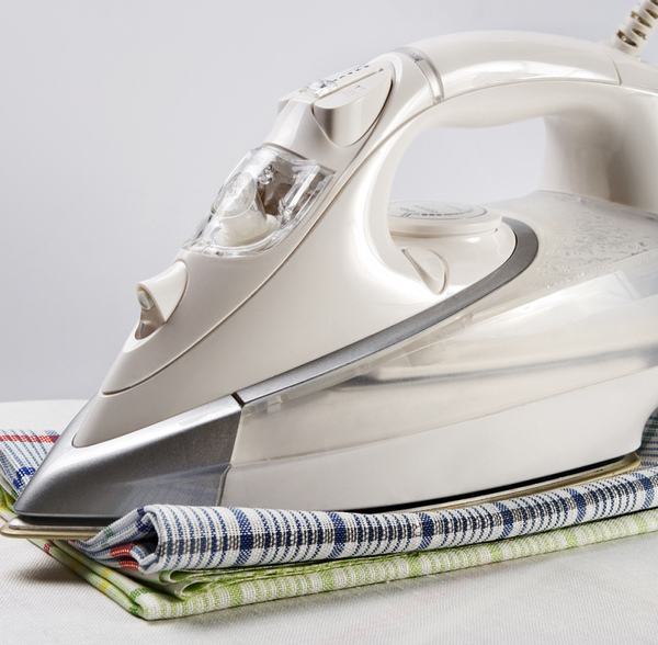 Как почистить утюг от накипи: средства, нюансы, как бороться с нагаром