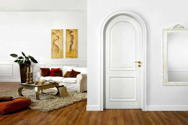 Белые межкомнатные двери в интерьере: классика элитного интерьера