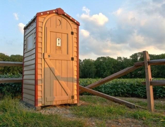 Дачный туалет своими руками: фото, чертежи, варианты построек