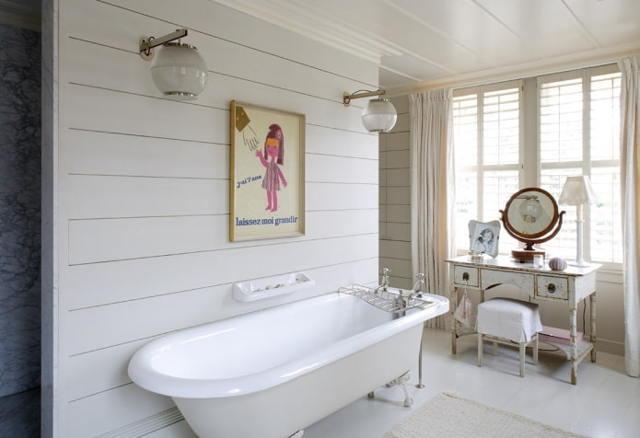 Интересные аксессуары для ванной комнаты: зеркала, полки, декоративные элементы