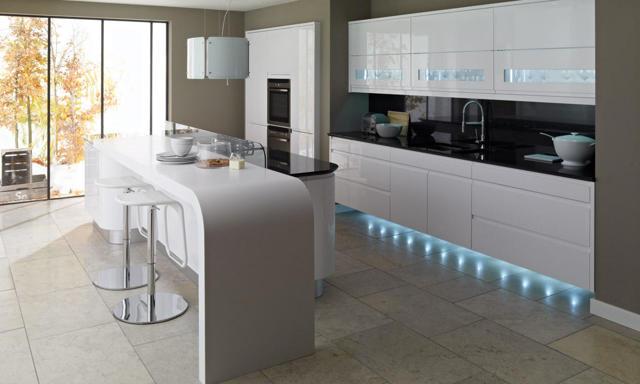 Белые кухни в интерьере: реальные фото
