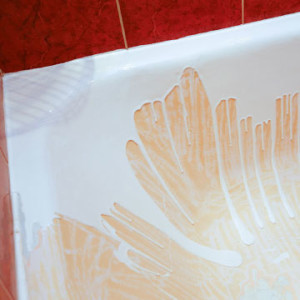 Акриловый вкладыш в ванну: виды, преимущества, последовательность установки