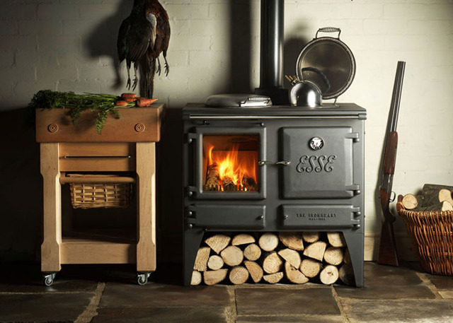 Печи для дачи на дровах: основные преимущества и недостатки