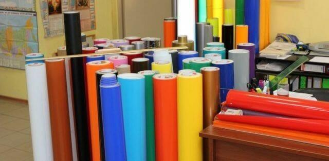 Самоклеющаяся пленка для мебели: виды, правильное нанесение