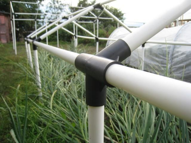 Теплица из пластиковых труб своими руками - инструкция!