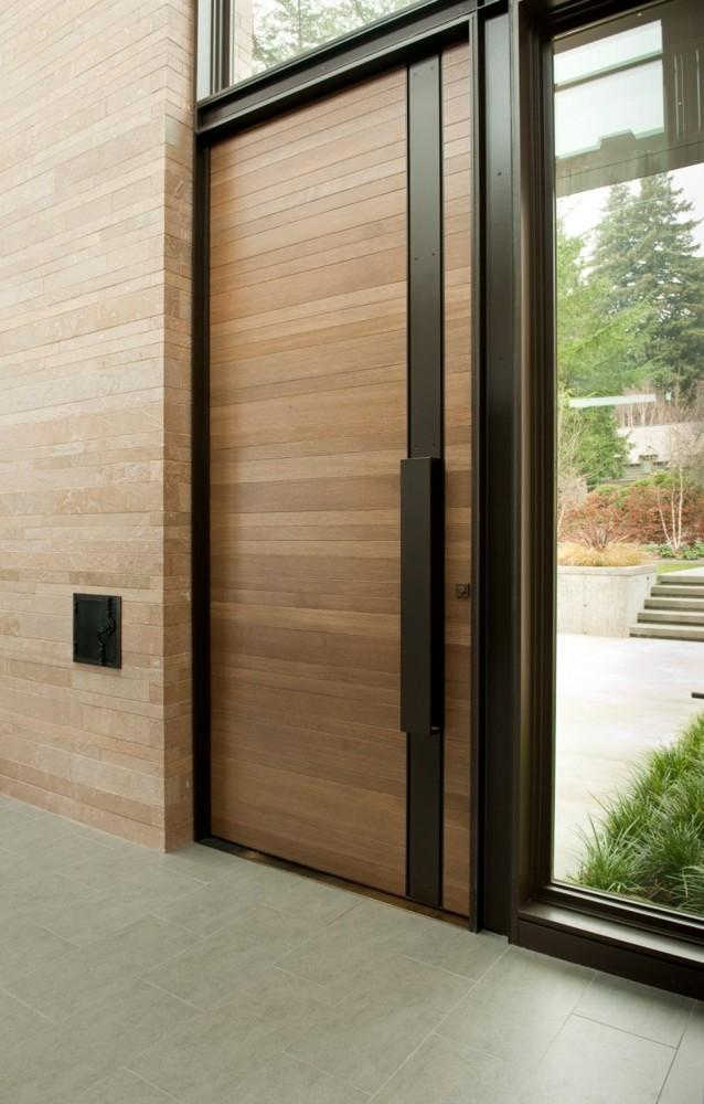 Пластиковые входные двери для частного дома: фото, примеры