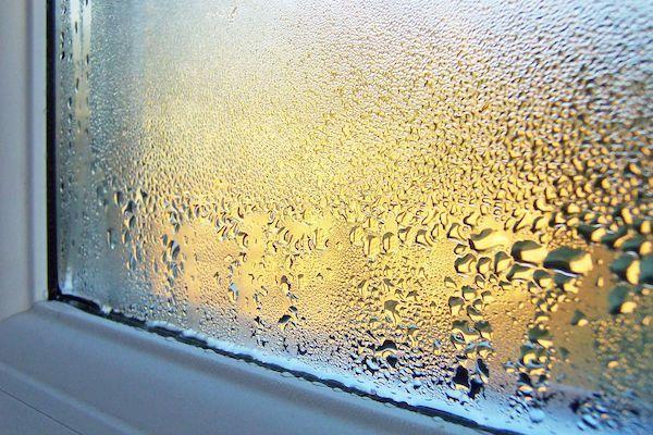 Почему потеют пластиковые окна в доме - решение