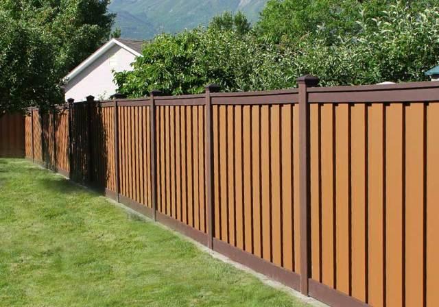 Можно ли поставить глухой забор между соседями в частном доме: нормы, нюансы