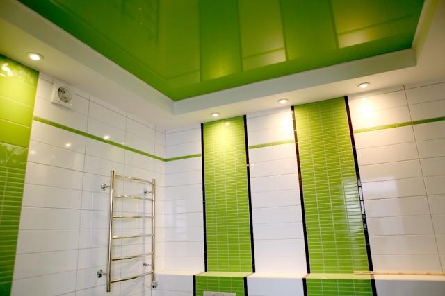 Натяжной потолок в ванной плюсы и минусы - разбираемся вместе