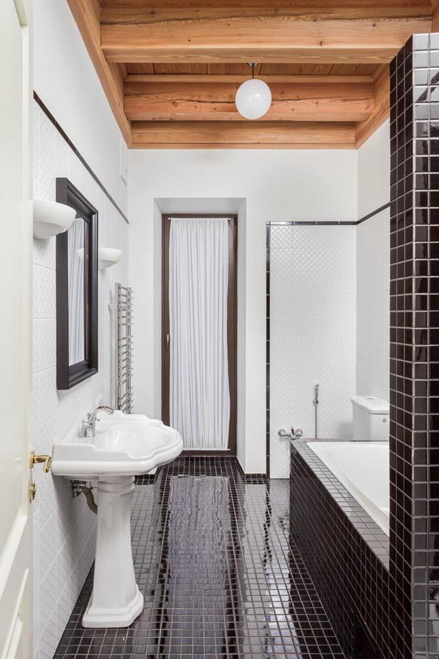 Плитка-мозаика для ванны: виды, плюсы и минусы, варианты облицовки