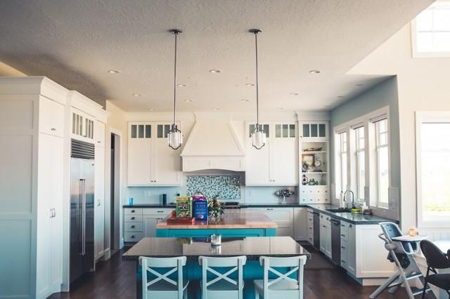 Современные идеи: фото интерьеров кухни 2017-2018 года разных стилей