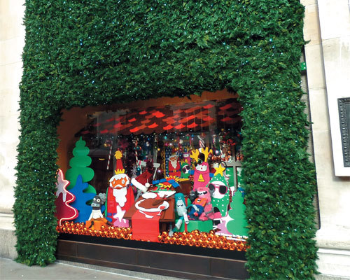 Новогоднее украшение магазинов и торговых центров: как украсить торговую площадку, вход в центр, витрины