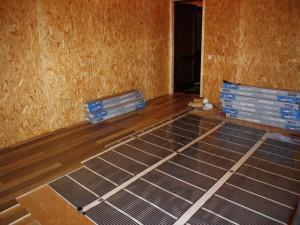 Тёплый плёночный пол: отзывы, расход электроэнергии, монтаж