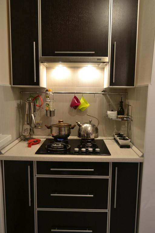 Рейлинги для кухни: как сделать кухню ещё удобнее с помощью рейлинговых систем