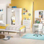 Стеллажи для комнаты: основные критерии выбора