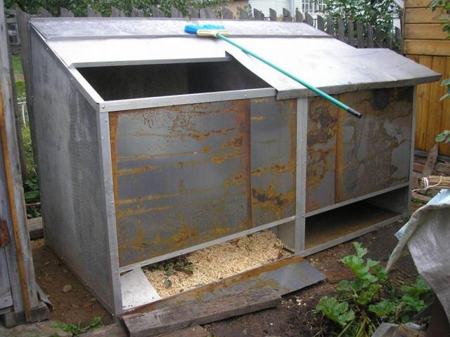 Компостная яма своими руками: варианты изготовления, фото