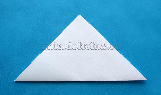 Снежинки и звёздочки из бумаги к Новому году: способы создания красивого декора из бумаги