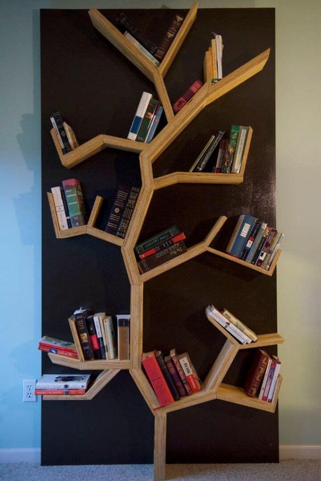 Полки для книг: формы, варианты и фото креативных идей