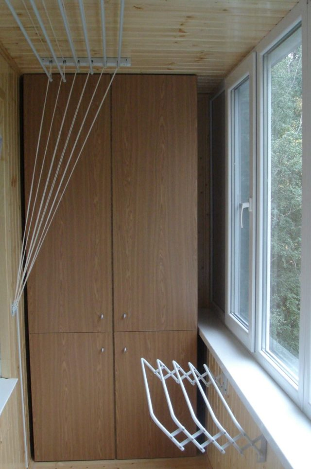 Потолочная сушилка для белья на балкон