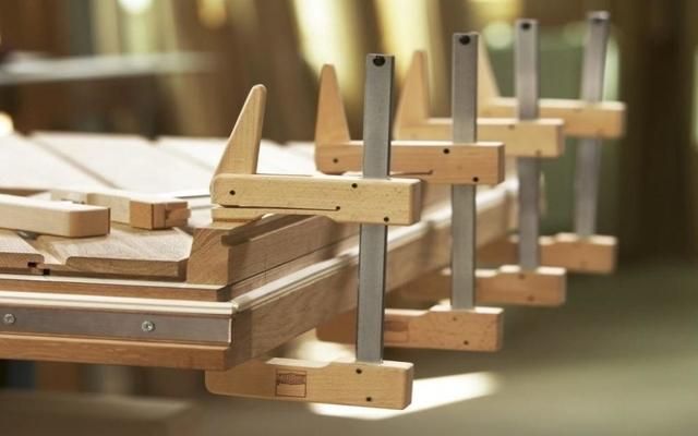 Стол из дерева своими руками: пошаговая инструкция с фото
