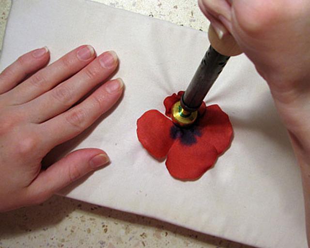 Фоамиран: что это такое и как использовать его для рукоделия