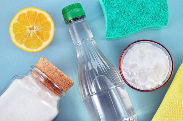 Чем помыть холодильник изнутри, чтобы уничтожить запах